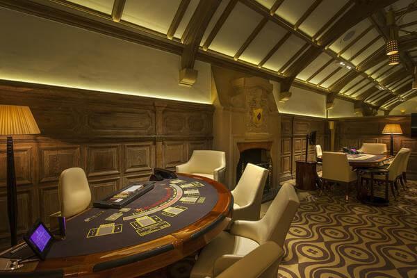 Maxims Casinos – London-Based Gambling Establishment in Review